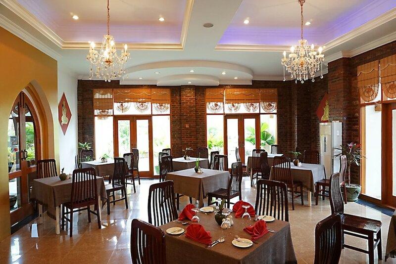 Win Unity Bagan aka Razagyo Hotel