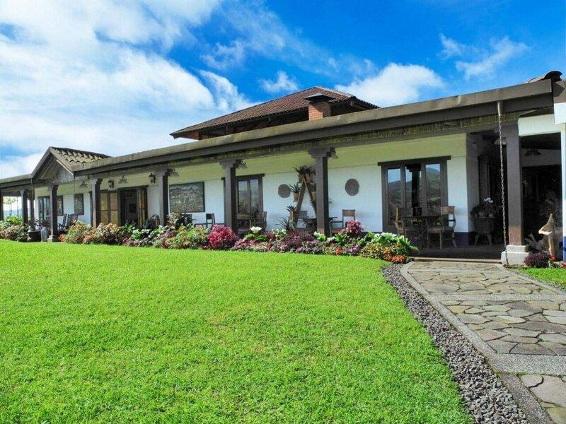 Villa Blanca Cloud Forest Hotel & Nature Reserve