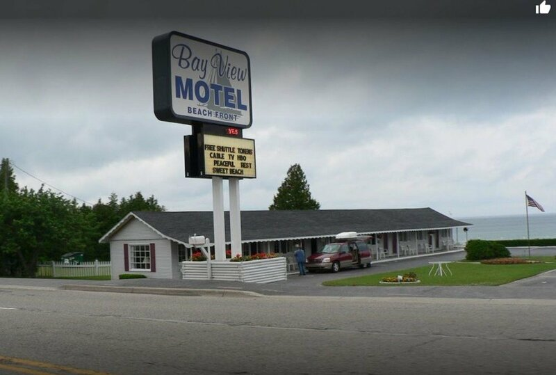 Bayview Lakefront Motel