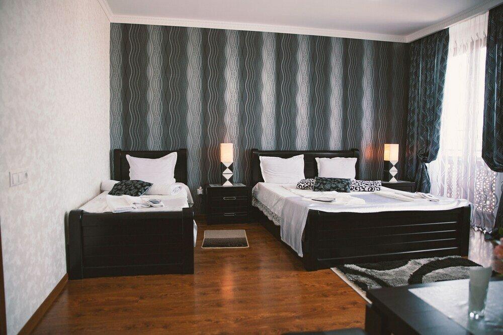гостиница — Family Hotel Parajanov — Тбилиси, фото №2