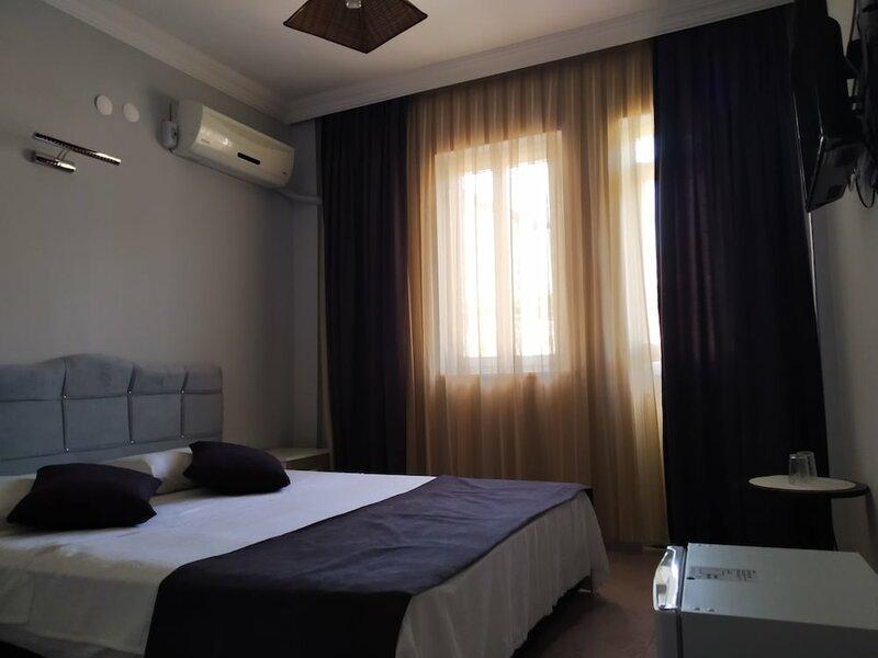 Rayana Hotel
