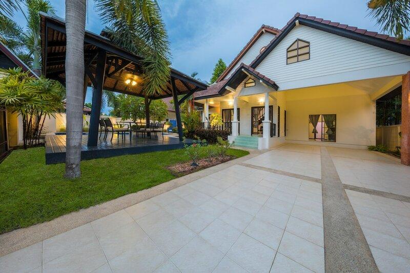 Green Residence Pool Villa