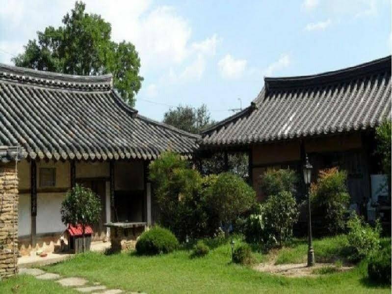 Choe Pilgan's Old House