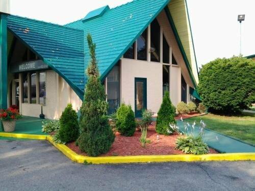 Budgetel Inn & Suites Hotel