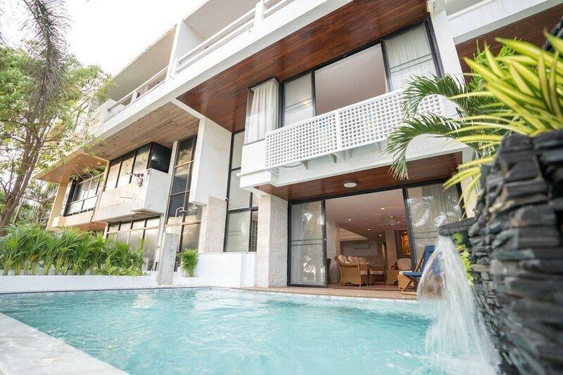 Dojo Pool Villa Beachfront