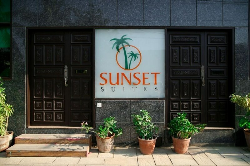 Отель Sunset Suites Karachi