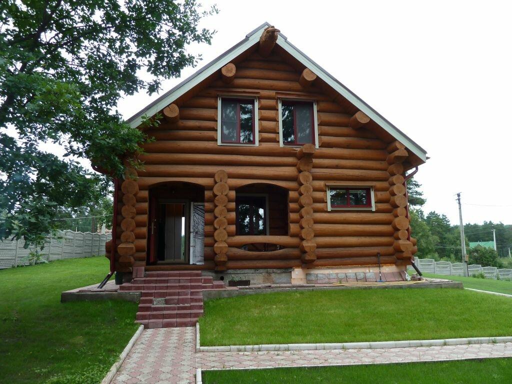 большая прихожая, дом из сруба для дачи фото тут