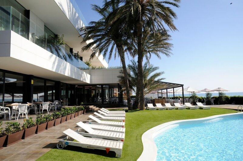 Hotel Tropical Gava Mar