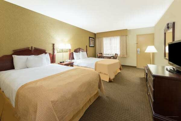 Ramada Plaza Louisville Hotel & Conference Ct