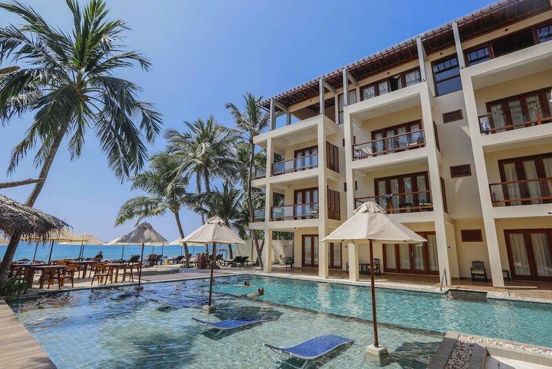 Sapphire Seas Beachfront Villas
