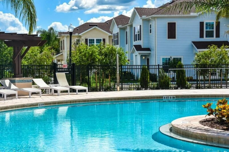 July Special 10min to Disney Wl3 Bed Id: 211006