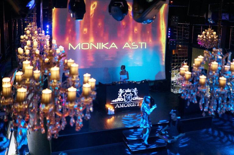 клуб аморет в москве