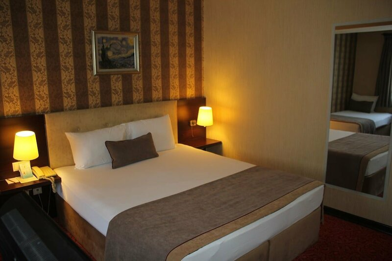 Hotel Palm City Akhisar