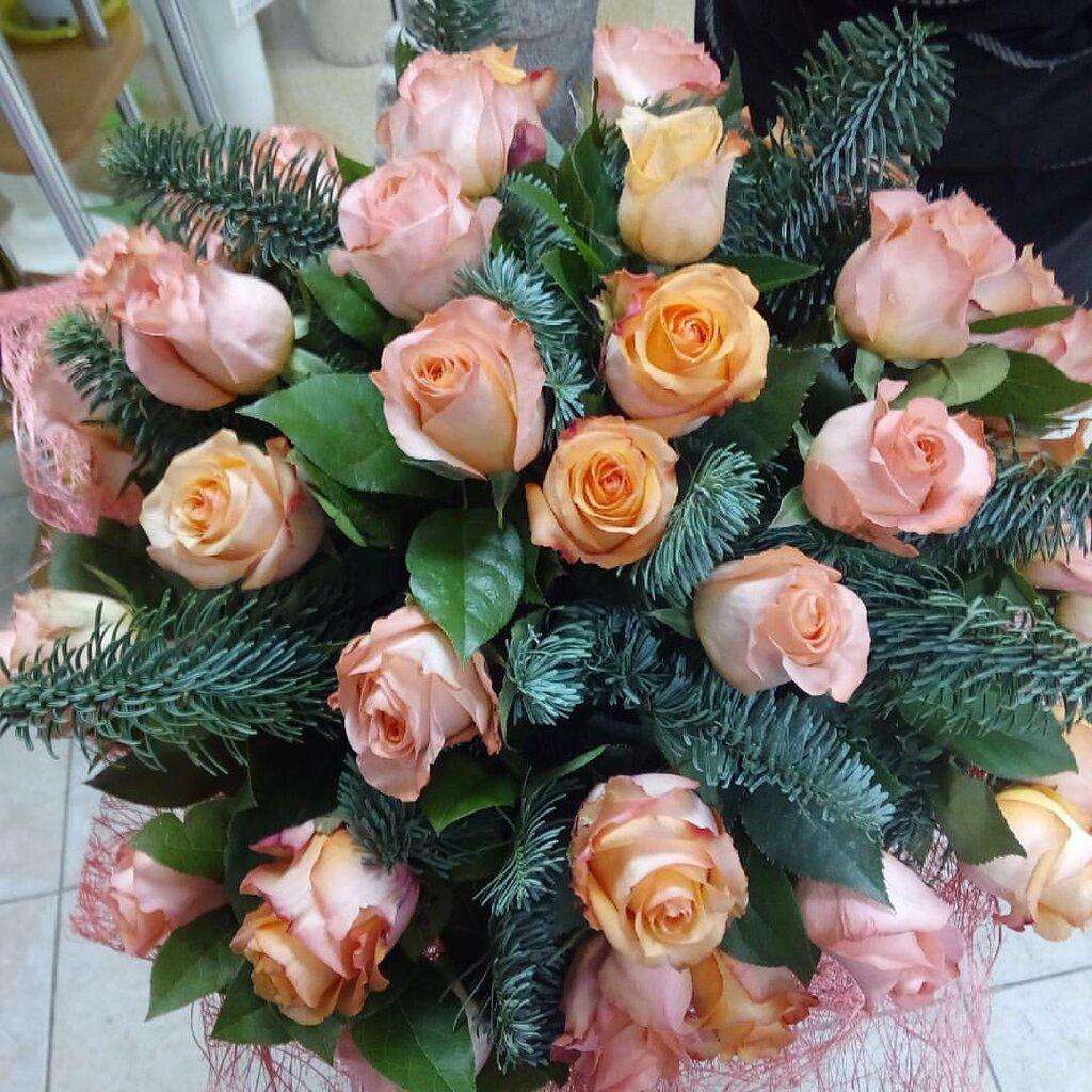 Невесты, доставка цветов тюмень алая роза