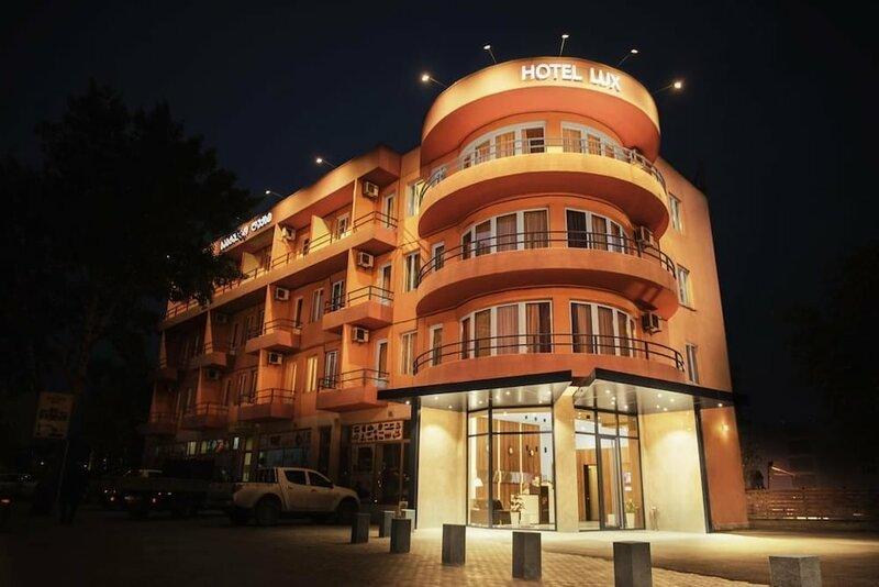 Отель Lux