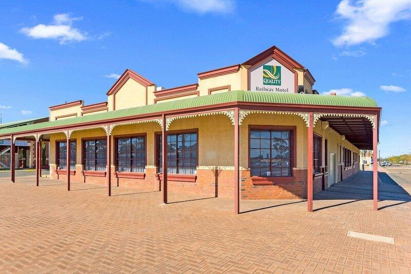Отель Quality Inn Railway