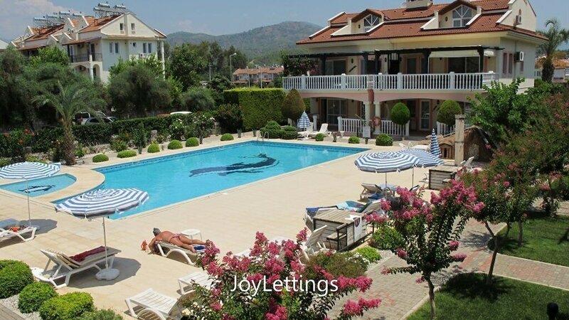 Villa Sm05 by JoyLettings
