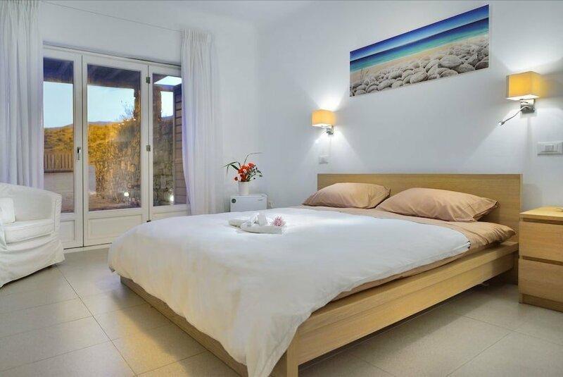 Luxurious 7 Bedroom Villa in Fokos Beach