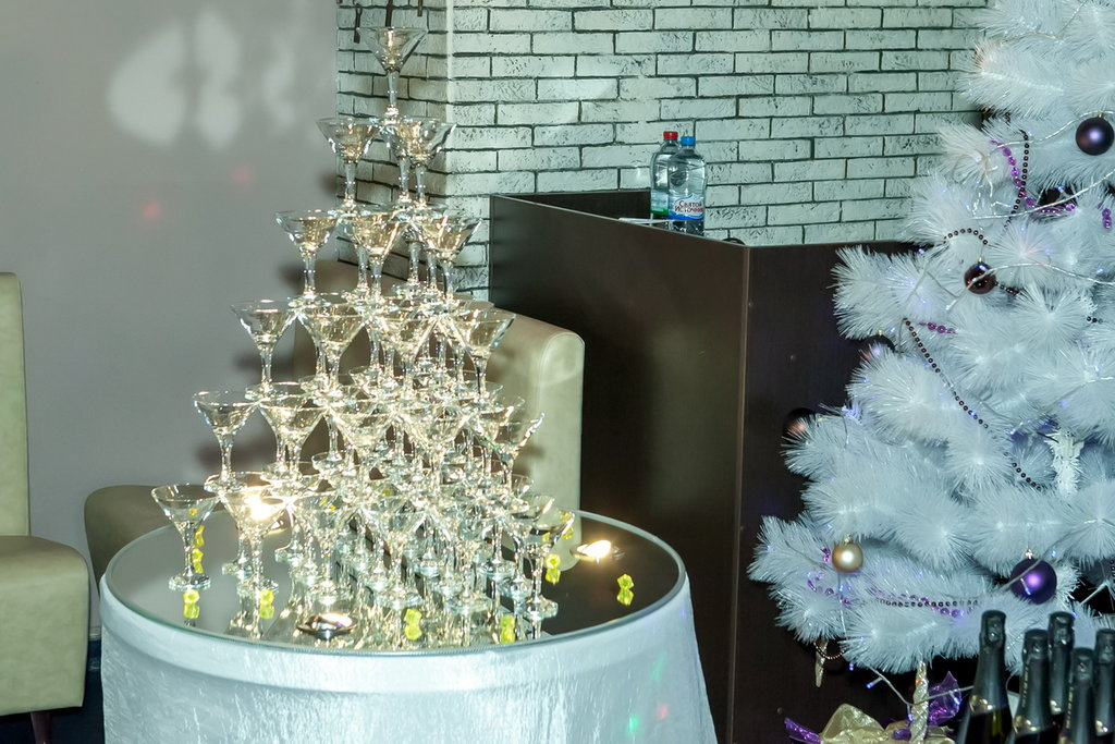 ведущие праздников и мероприятий — Компания по организации праздников Шоу-бэнд — Москва, фото №3