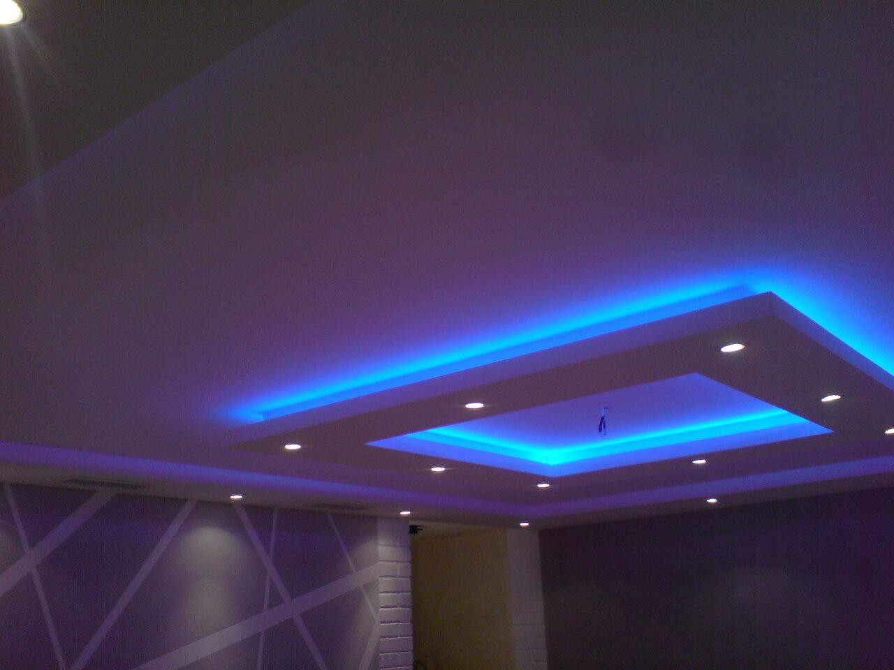 нужно потолок из гипсокартона с диодной подсветкой фото типичное