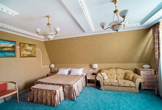 Премьер-отель Аврора