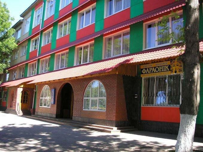 Отельно-ресторанный комплекс Нтон