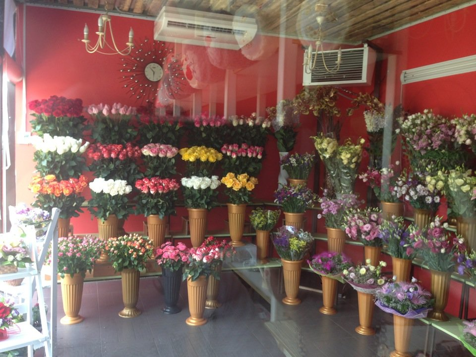 Букета роз, магазин и салоны цветов краснодар юмр