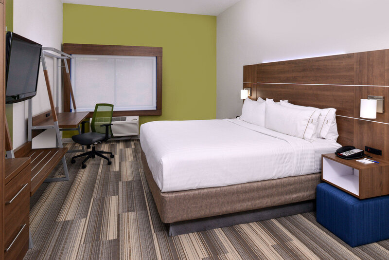 Holiday Inn Express & Suites Raleigh Ne - Medical Ctr Area