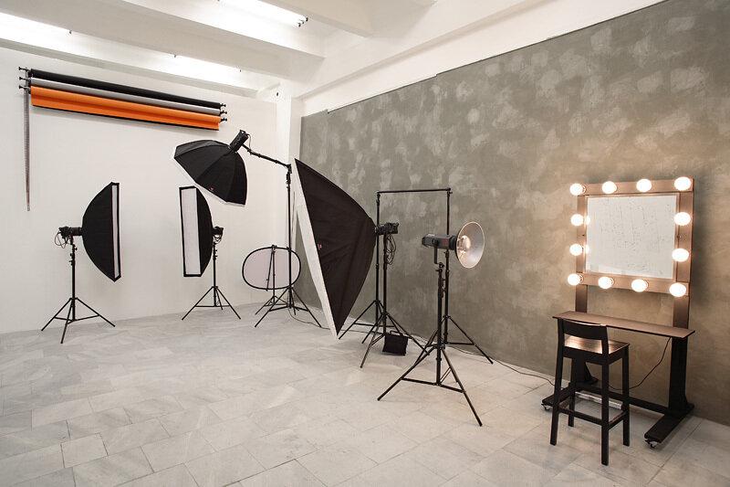 фотографам фотолюбителям как делаются стены в фотостудии предстали
