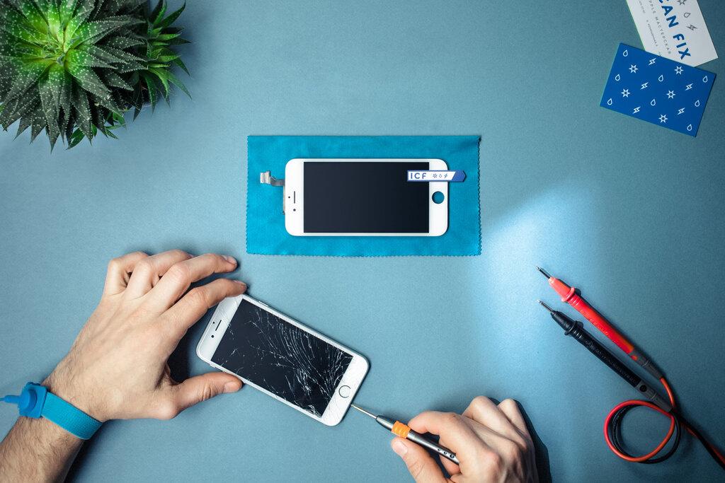 расскажет интернет, фото с мобильного телефона сданного в ремонт известен своей огромной