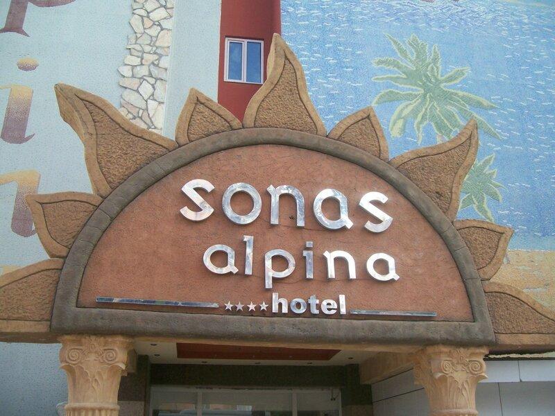 Xeno Sonas Alpina Hotel