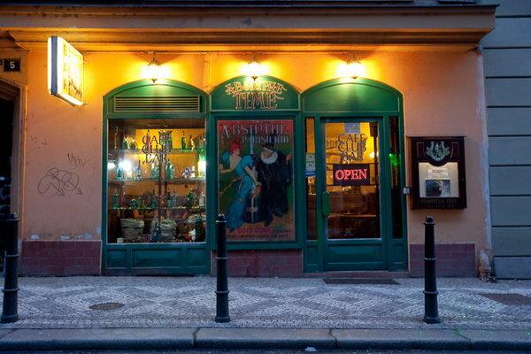 бар, паб — AbsinthaMagika - Абсент бар в Праге — Прага, фото №1