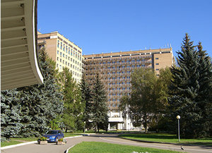 время посещения госпиталя вишневского