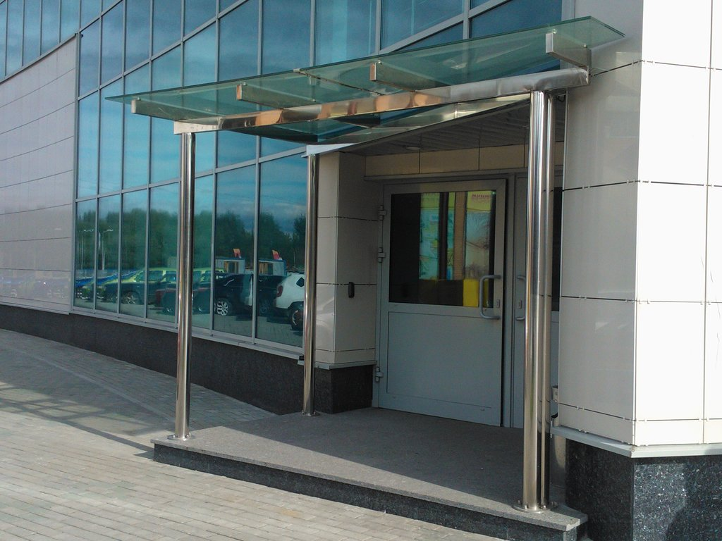 фото примеров оформления офисного входа в здание проходит только