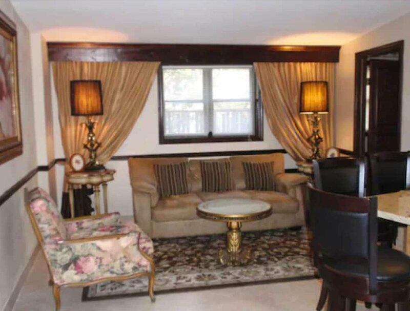 Chalet Inn & Suites Centerport