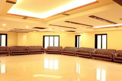 Oyo Rooms Jatin Das Park Metro Station