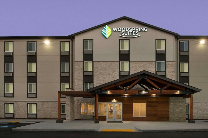 WoodSpring Suites Tampa - Usf - Near Busch Gardens