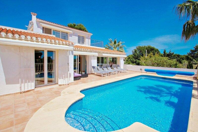 Michelle - sea view villa with private pool in Benissa