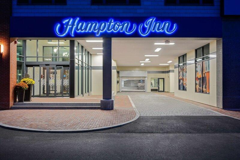 Hampton Inn Salem Boston