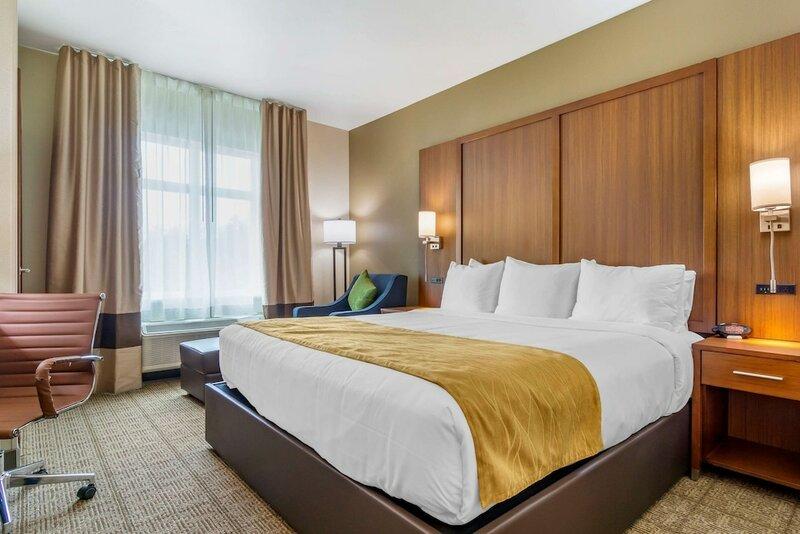 Comfort Inn & Suites Lakewood by Jblm