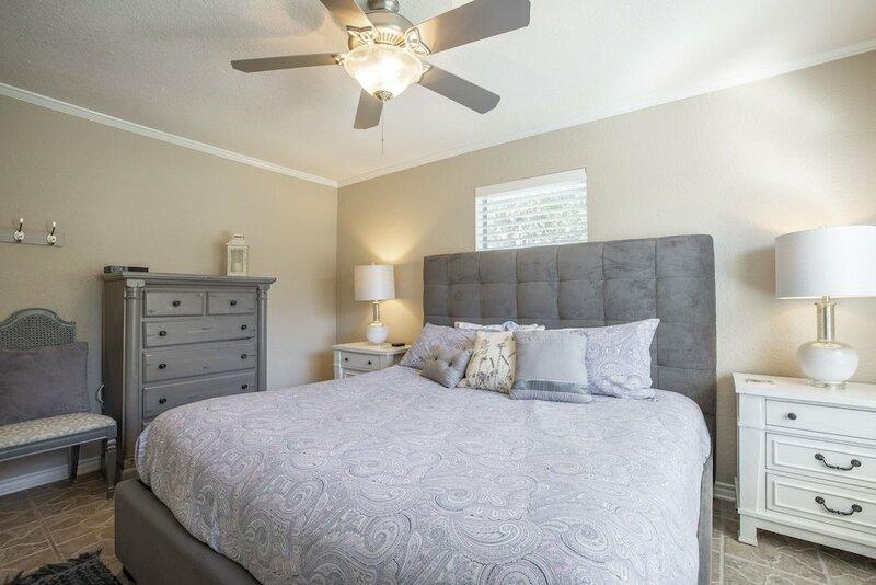 Maverick's River Haus & Guest Haus 4 Bedroom Home