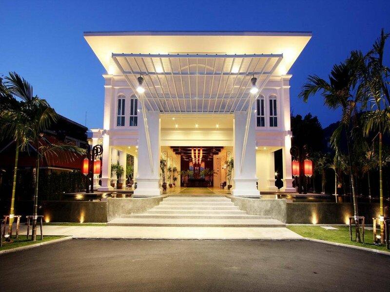 Old Phuket Karon Beach Resort