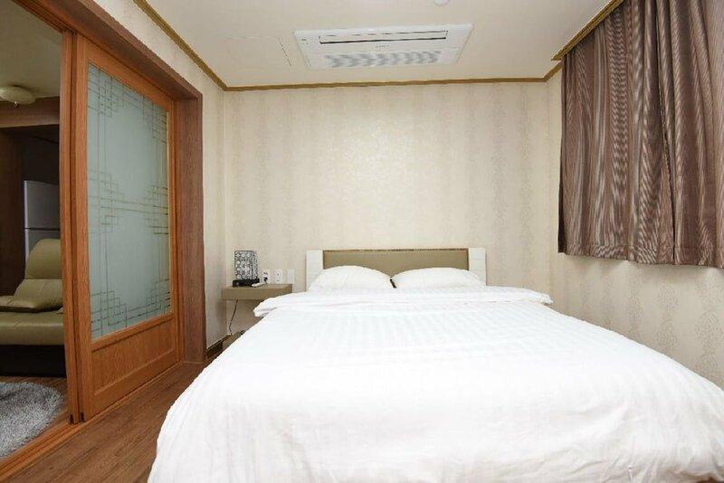 Daewoo Business Hotel