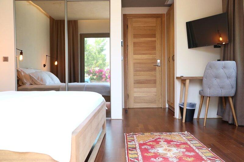 Life Butiq Hotel