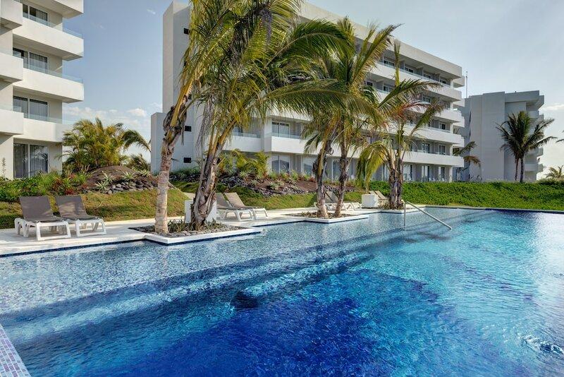 Oceana Resort & Conventions - All Inclusive