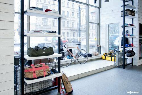 bf0f4dec9770 Mint - магазин одежды, метро Маяковская, Санкт-Петербург — отзывы и фото —  Яндекс.Карты