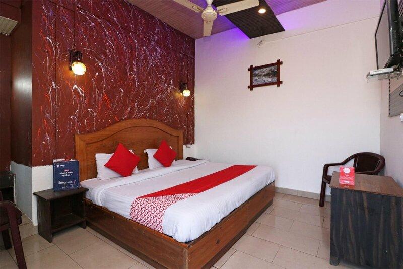 Oyo 44398 Hotel Chandel