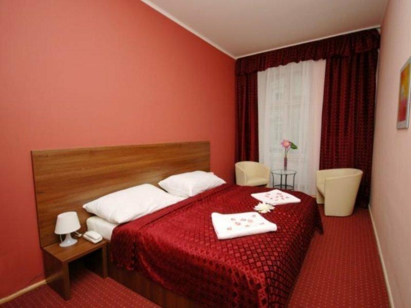 Colloseum Hotel