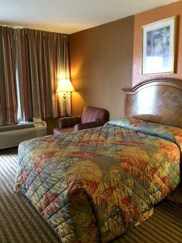 Richmond Inn and Suites