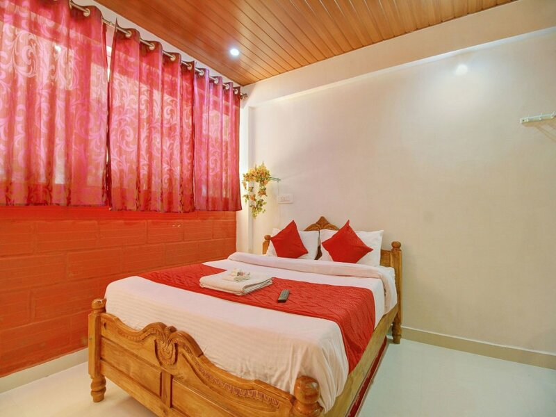 Oyo 12130 Home Cozy Stay near Parampara Resort